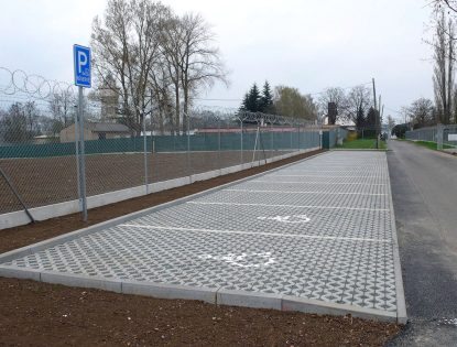 Komunikace a parkoviště